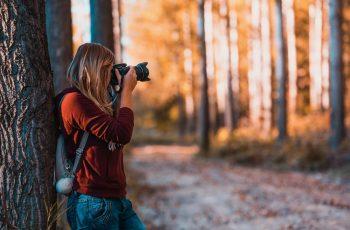 Como posso inovar e fazer fotos criativas em viagens?