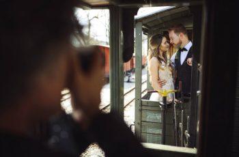 Entenda como o ensaio de noivos se diferencia do ensaio de casamento